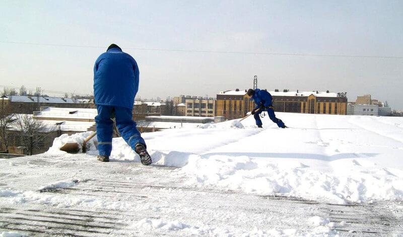 услуги по уборке снега с крыши